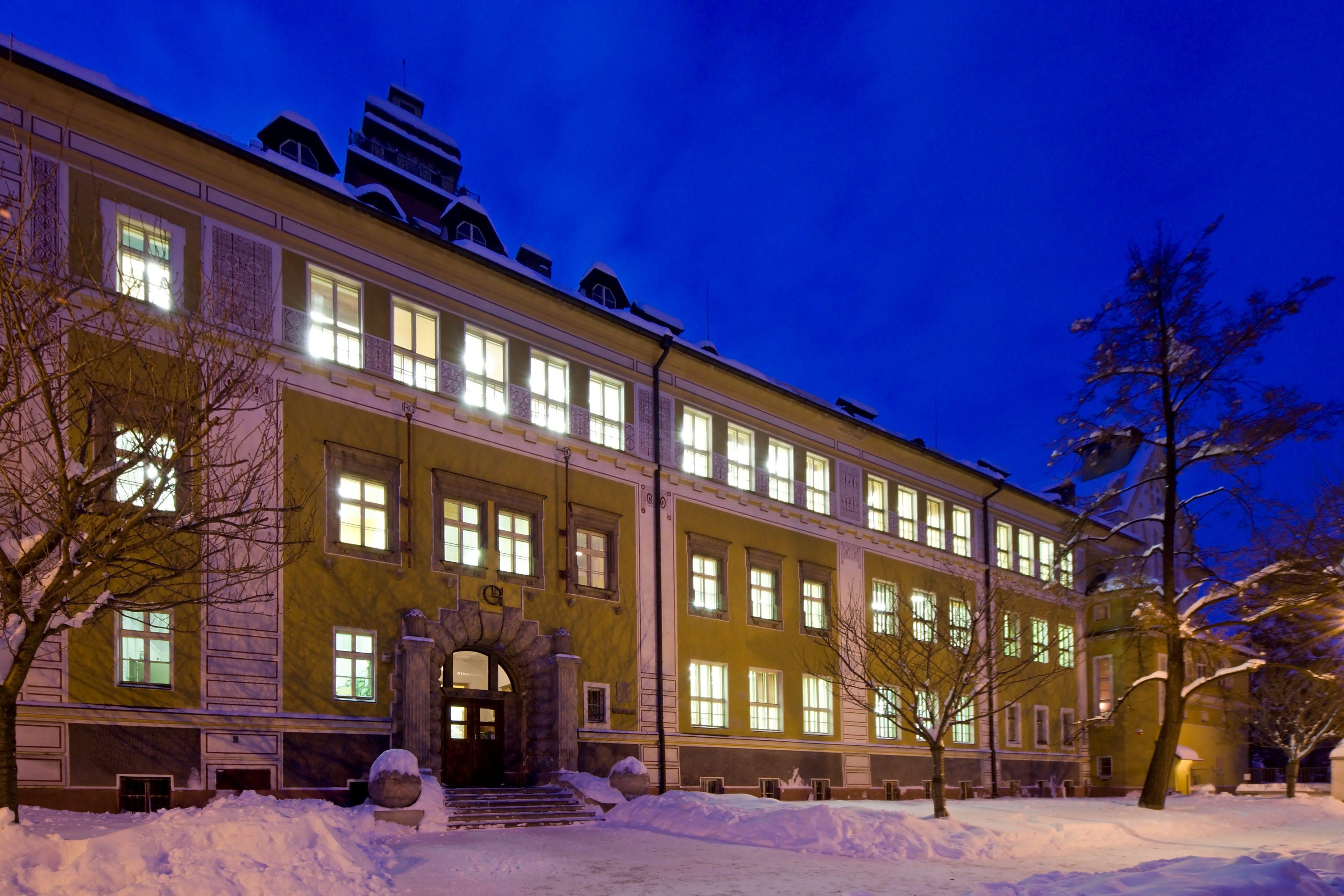 budova_zima2.jpg